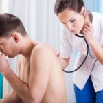 Если беспокоит сильный кашель: от чего может быть и что делать
