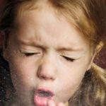Лечим мокрый кашель правильно: лекарственные и народные средства