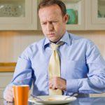 Почему после еды появляется кашель и нужно ли это лечить