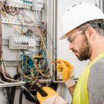 Какие электромонтажные работы я могу выполнять, став местным установщиком?